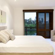 luxurious bedroom m