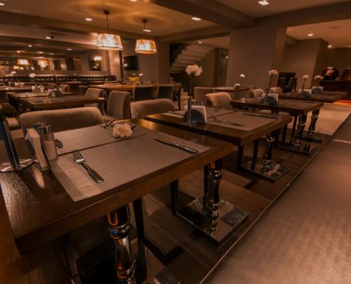 restaurant hotel brown