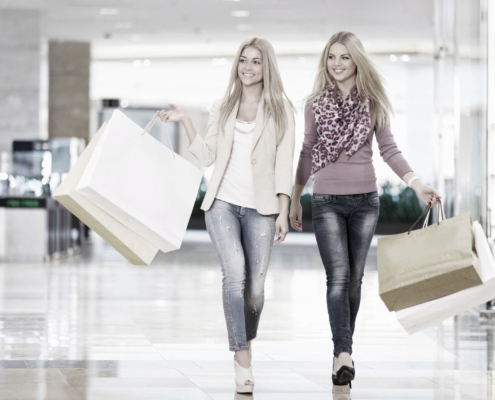 girls shopping desat